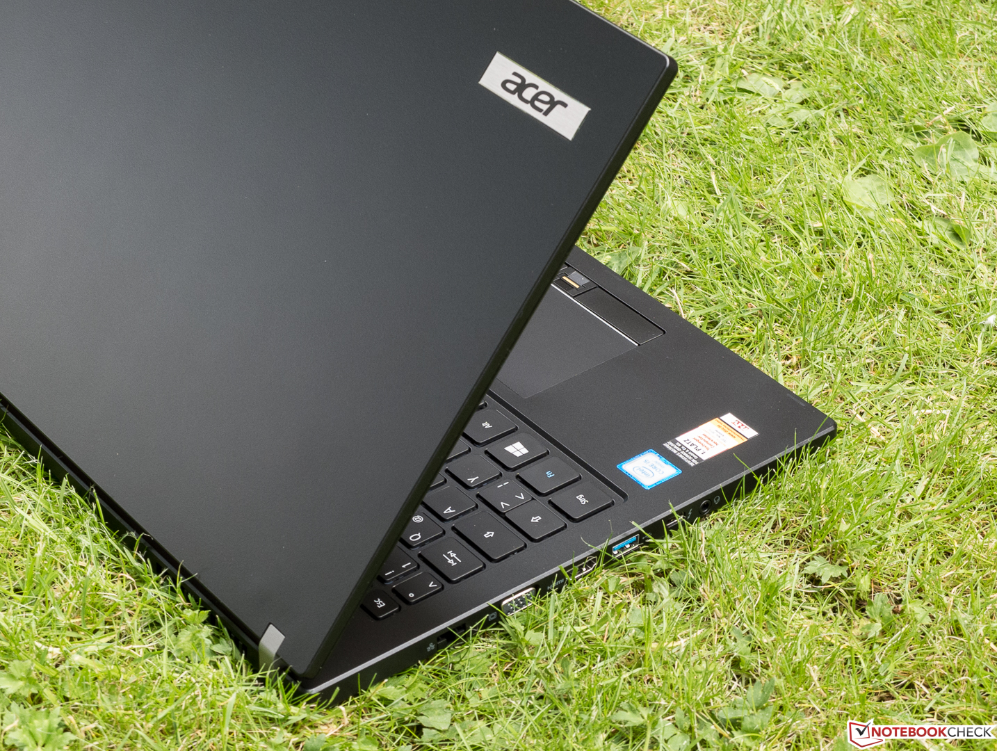 Acer TravelMate P658-M-537B Notebook Review - NotebookCheck.net Reviews 461cc1ee30