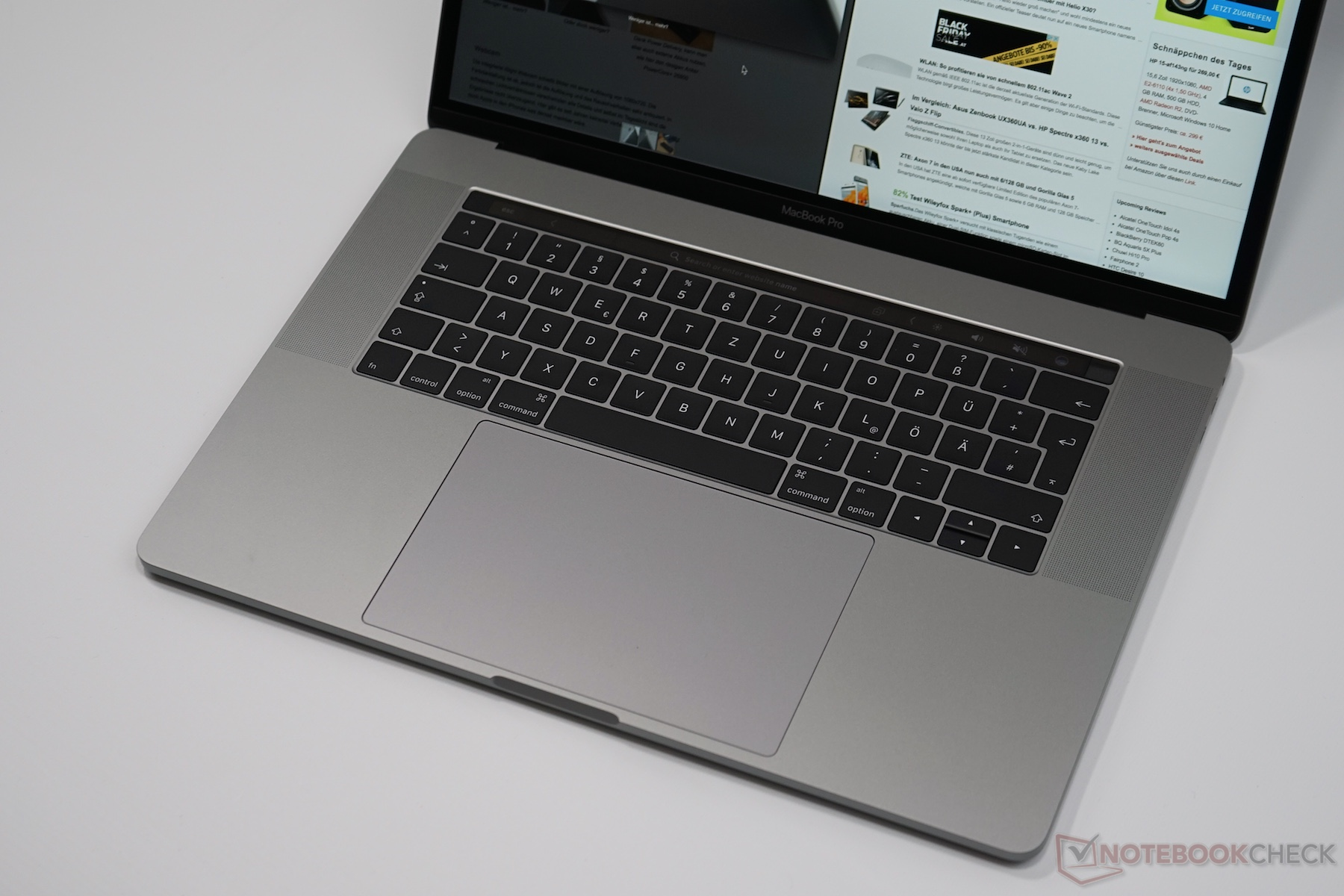 Apple MacBook Pro 15 2017 (2 8 GHz, 555) Laptop Review