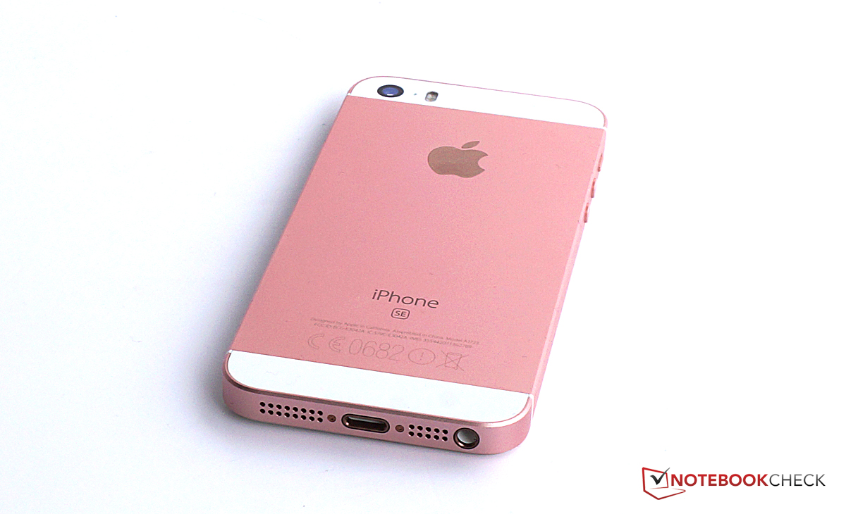apple iphone se smartphone review reviews. Black Bedroom Furniture Sets. Home Design Ideas