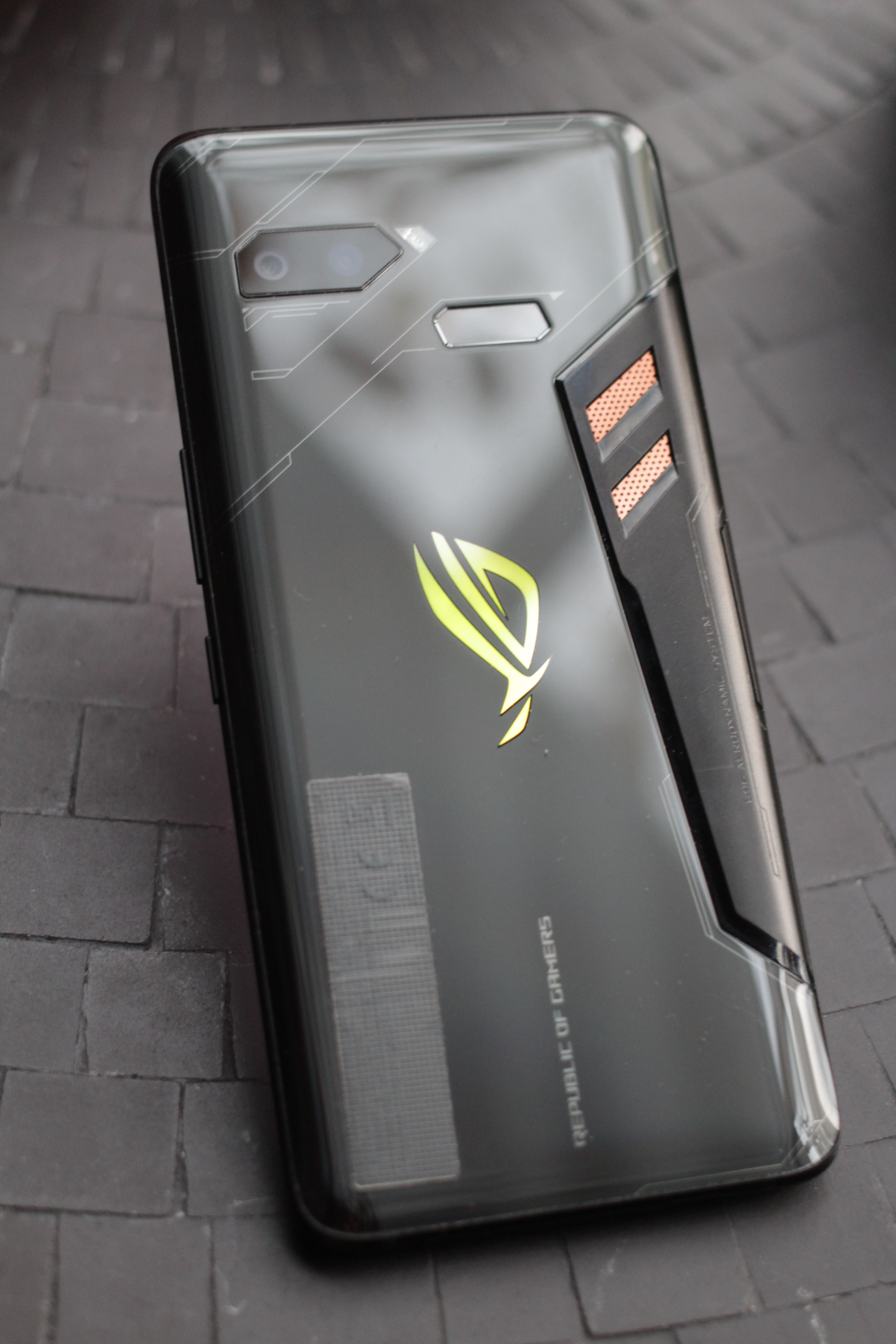 ASUS ROG Phone Smartphone Review - NotebookCheck.net Reviews