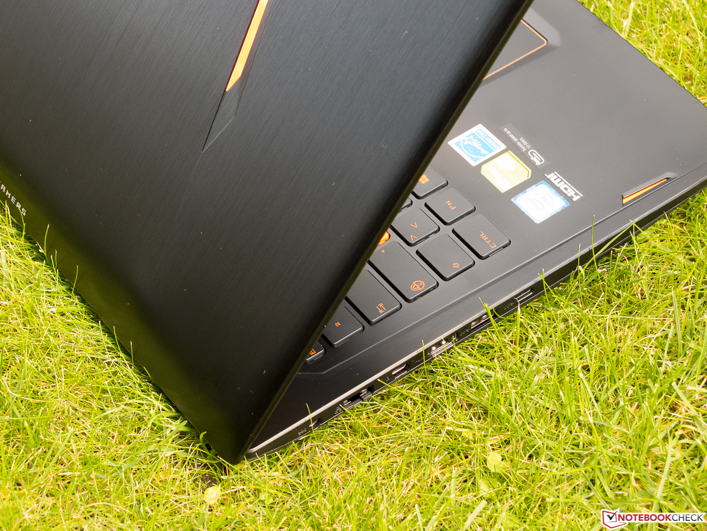 Asus ROG Strix GL502VS Notebook Review - NotebookCheck.net Reviews