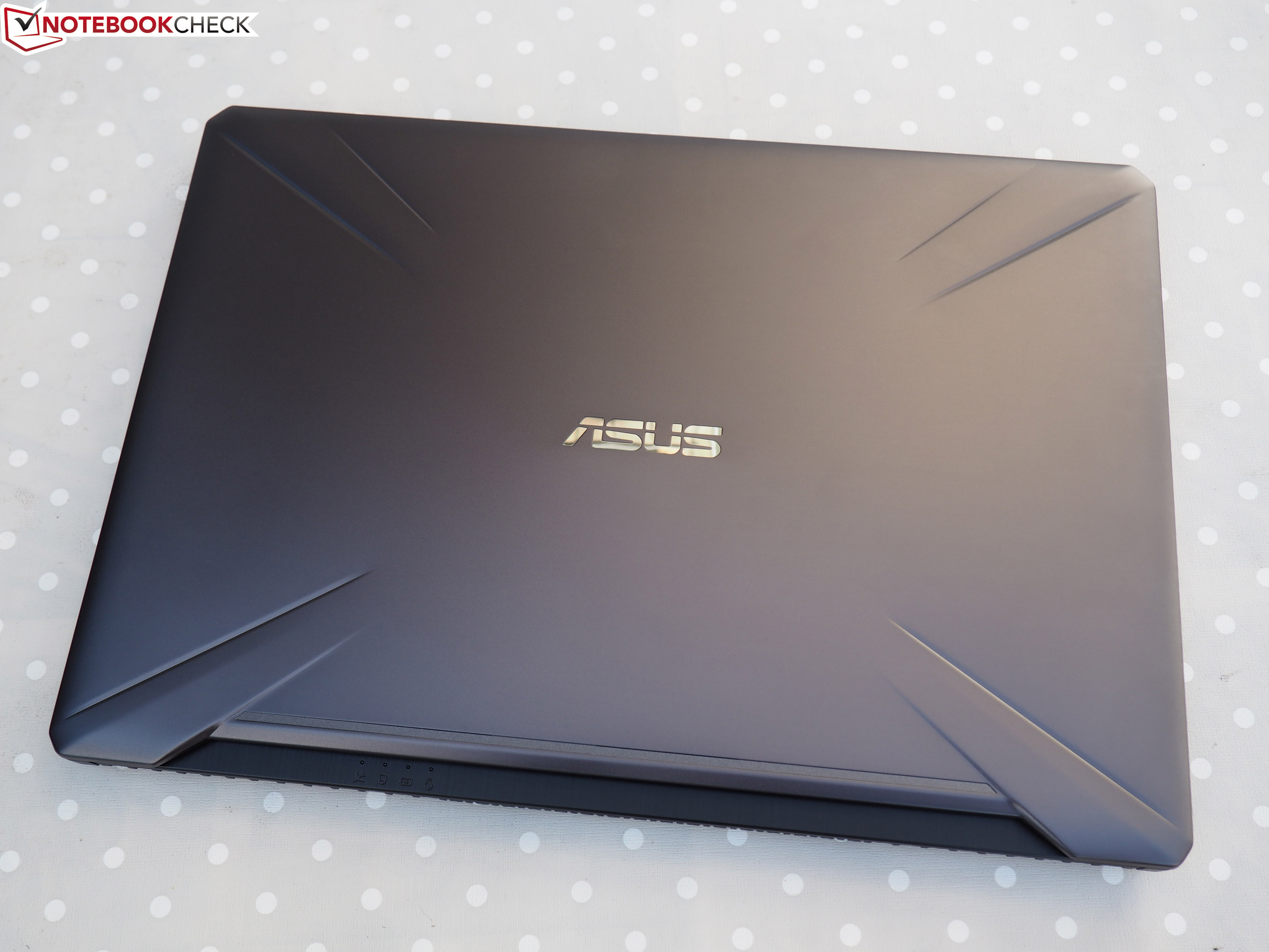 Asus TUF FX705GM (i7-8750H, GTX 1060, FHD) Laptop Review