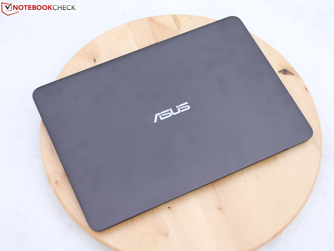 Asus Zenbook Ux305fa Subnotebook Review Notebookcheck