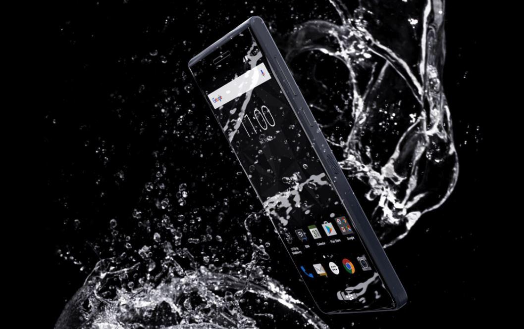 """Képtalálat a következőre: """"blackberry motion ip67"""""""