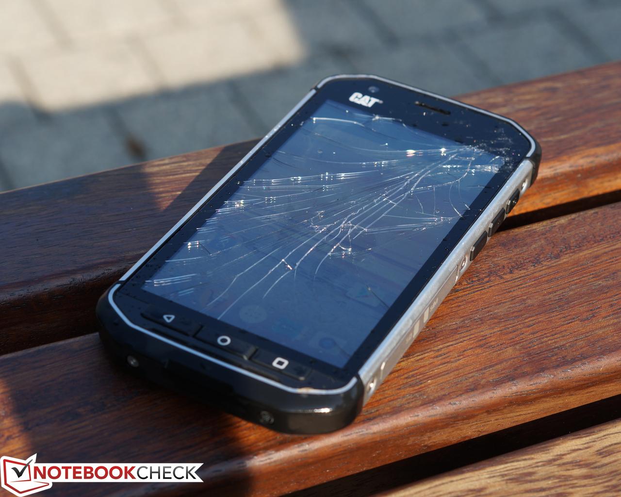 Cat S40 Smartphone Review Notebookcheck Net Reviews