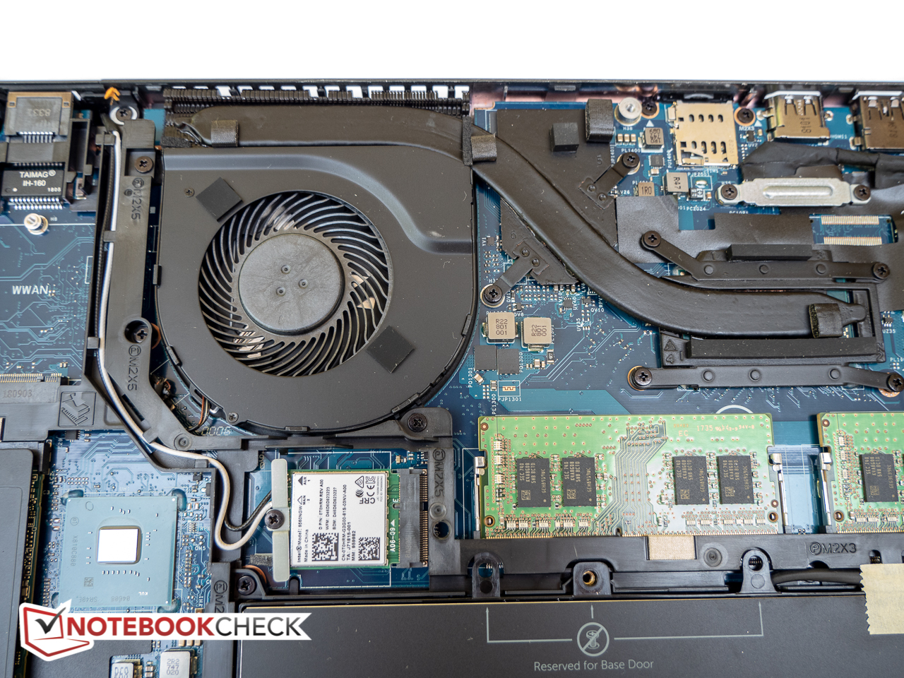 Dell Latitude 5491 (8850H, MX130, Touchscreen) Laptop Review