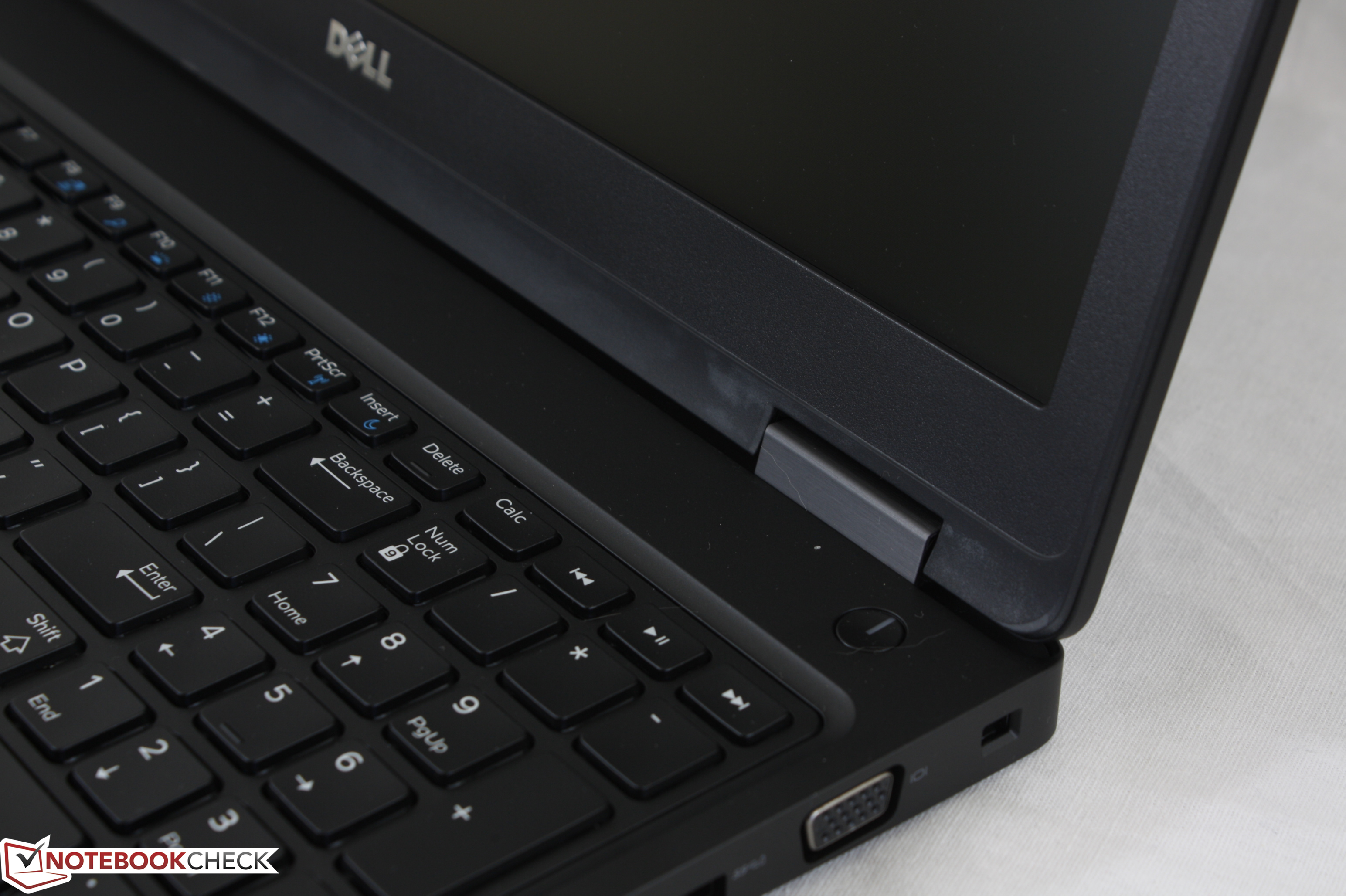 Dell Precision 3520 (i7-7820HQ, M620M) Workstation Review