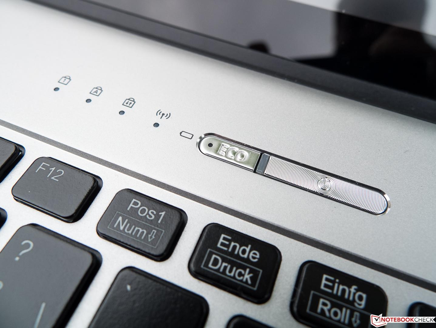 Fujitsu Lifebook S936 (6600U, 512 GB) PalmSecure Laptop