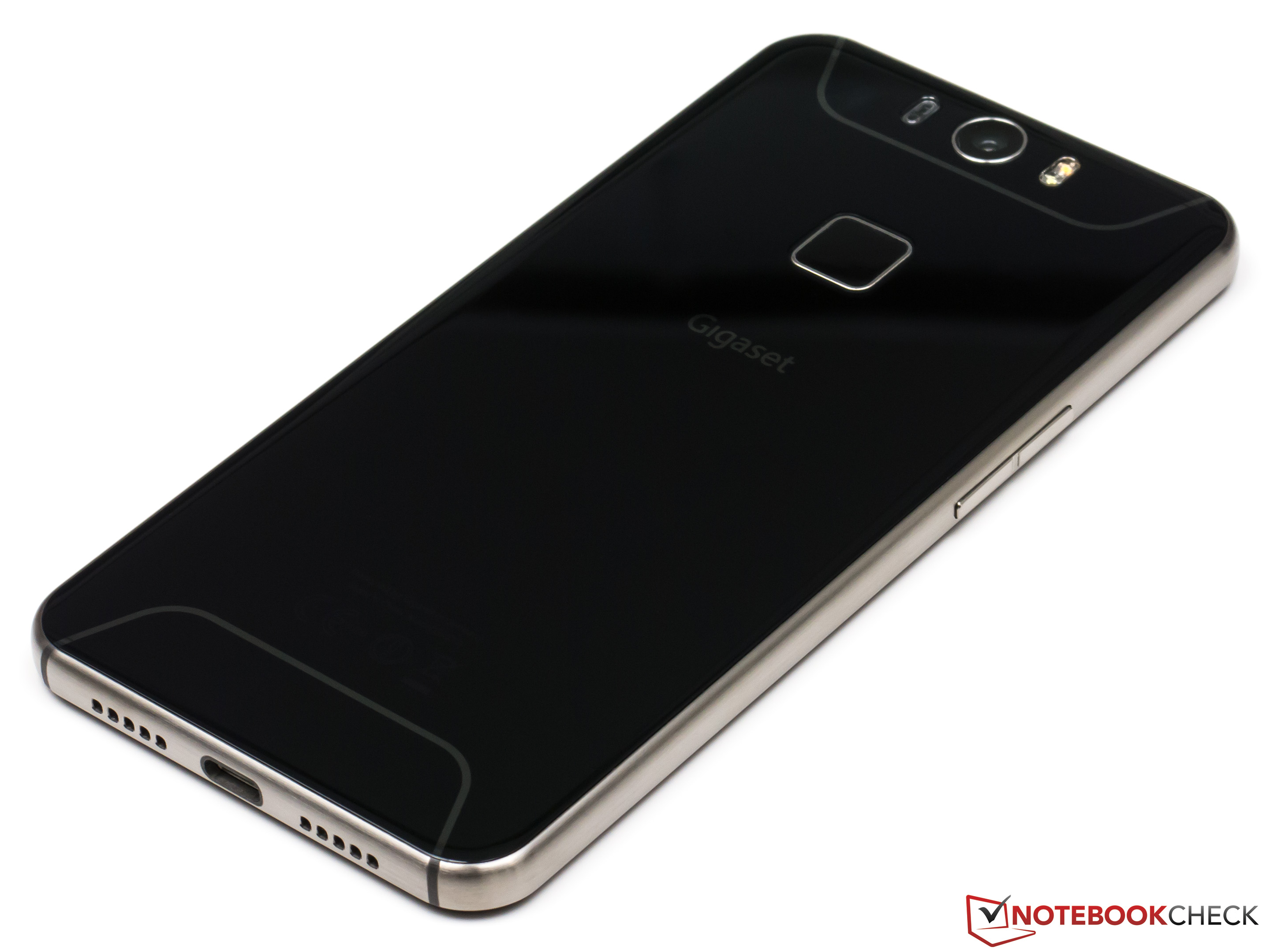 gigaset me pro smartphone review   notebookcheck   reviews