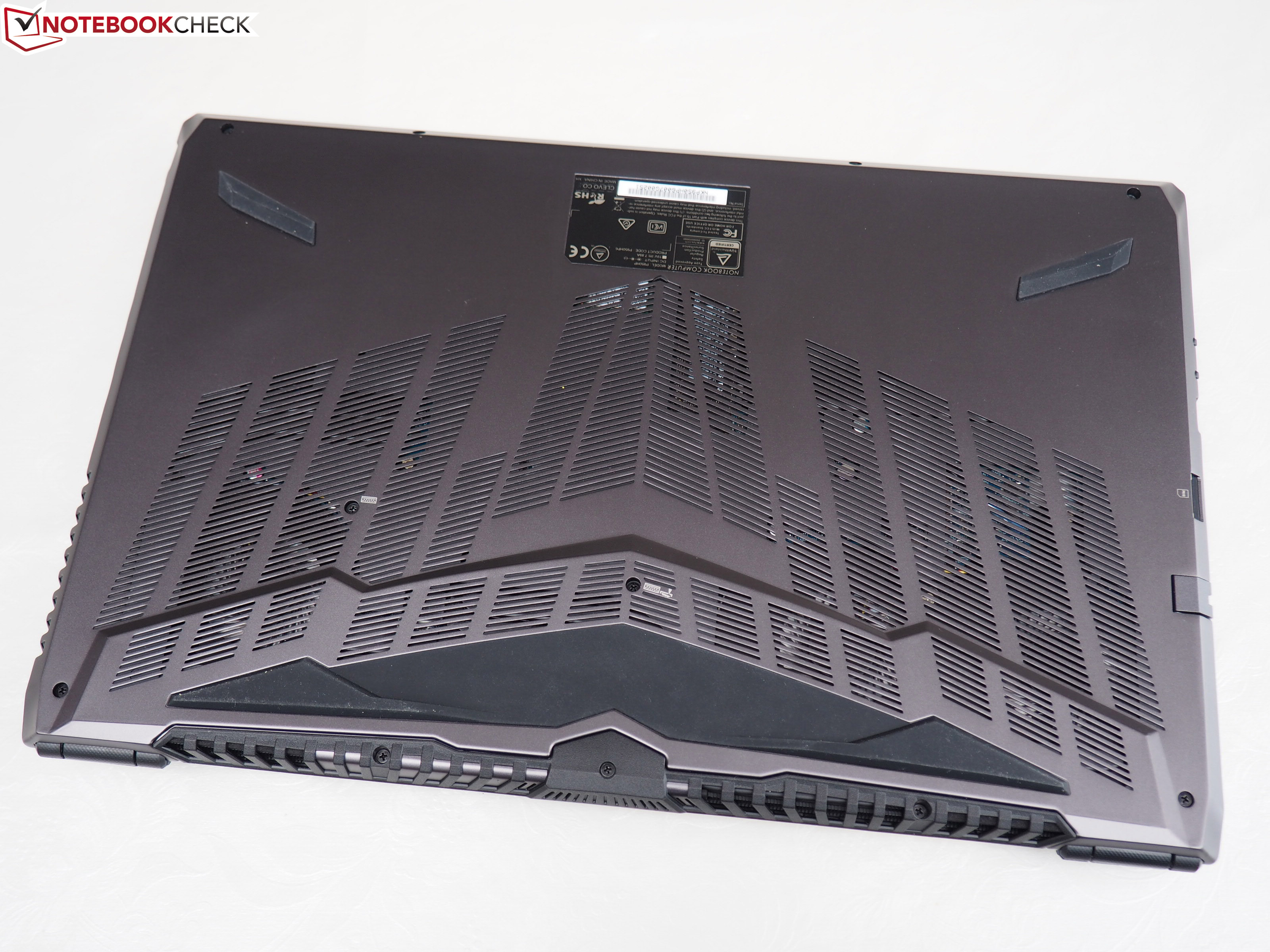 Guru Fire KS (Clevo P950HP6) Laptop Review - NotebookCheck net Reviews