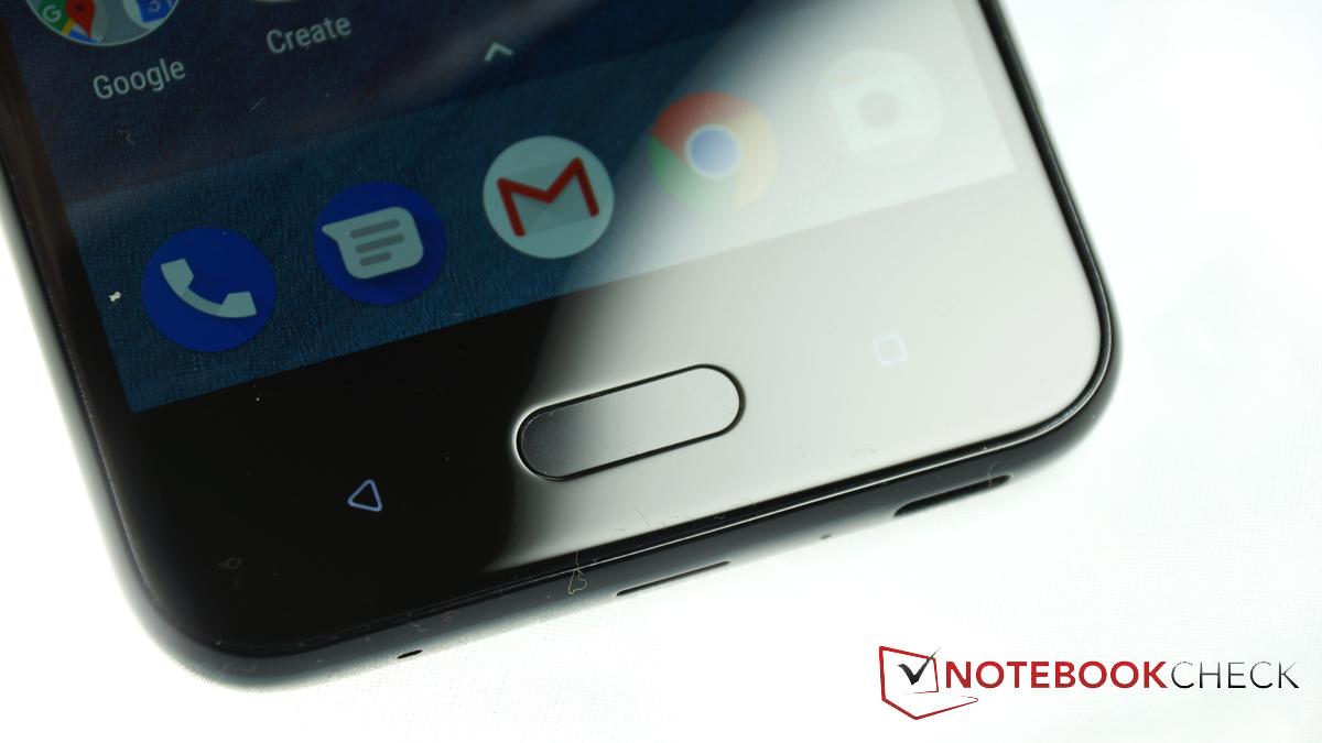 HTC U11 Life Smartphone Review - NotebookCheck.net Reviews