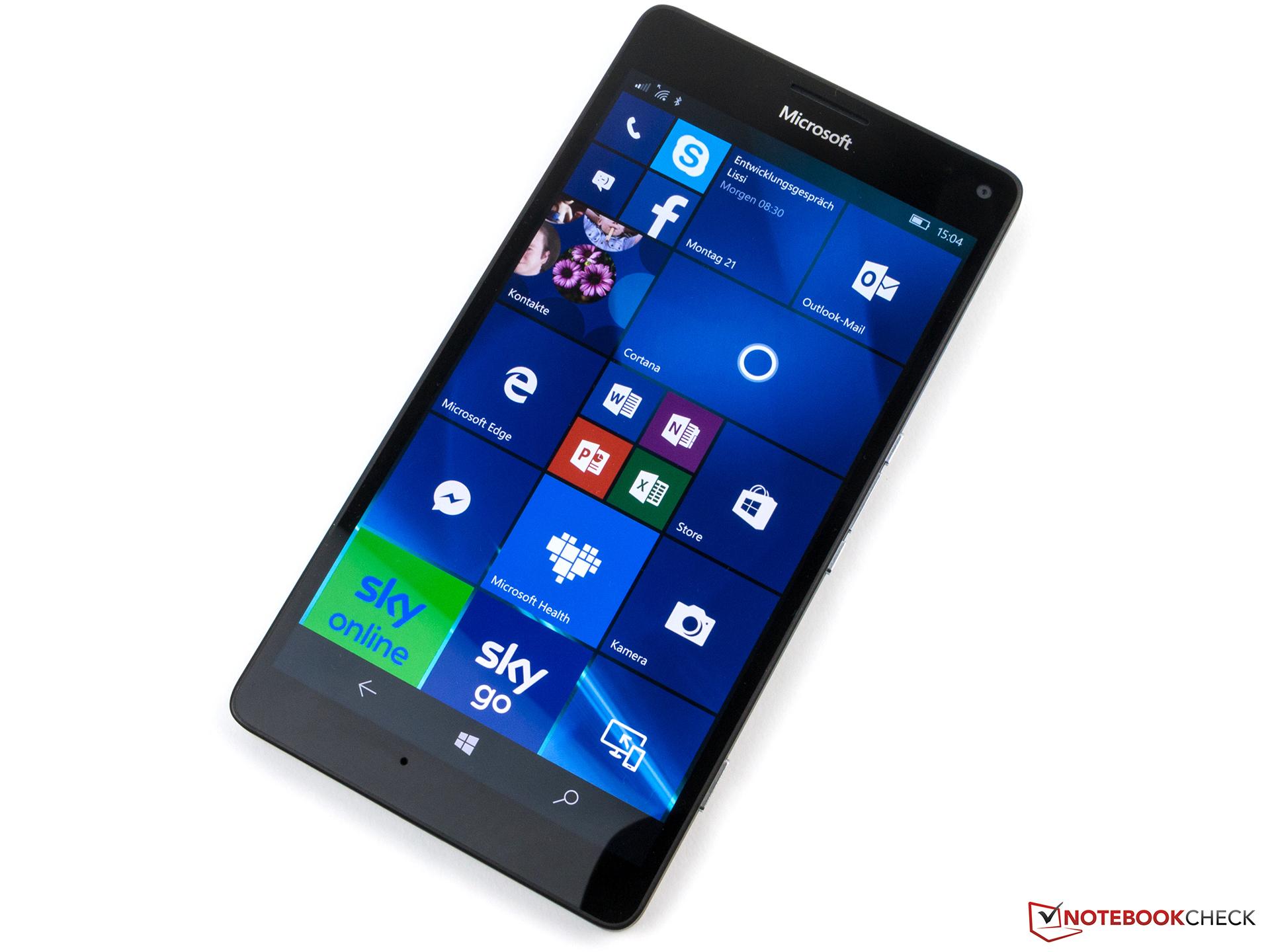 Microsoft Lumia 950 XL Smartphone Review