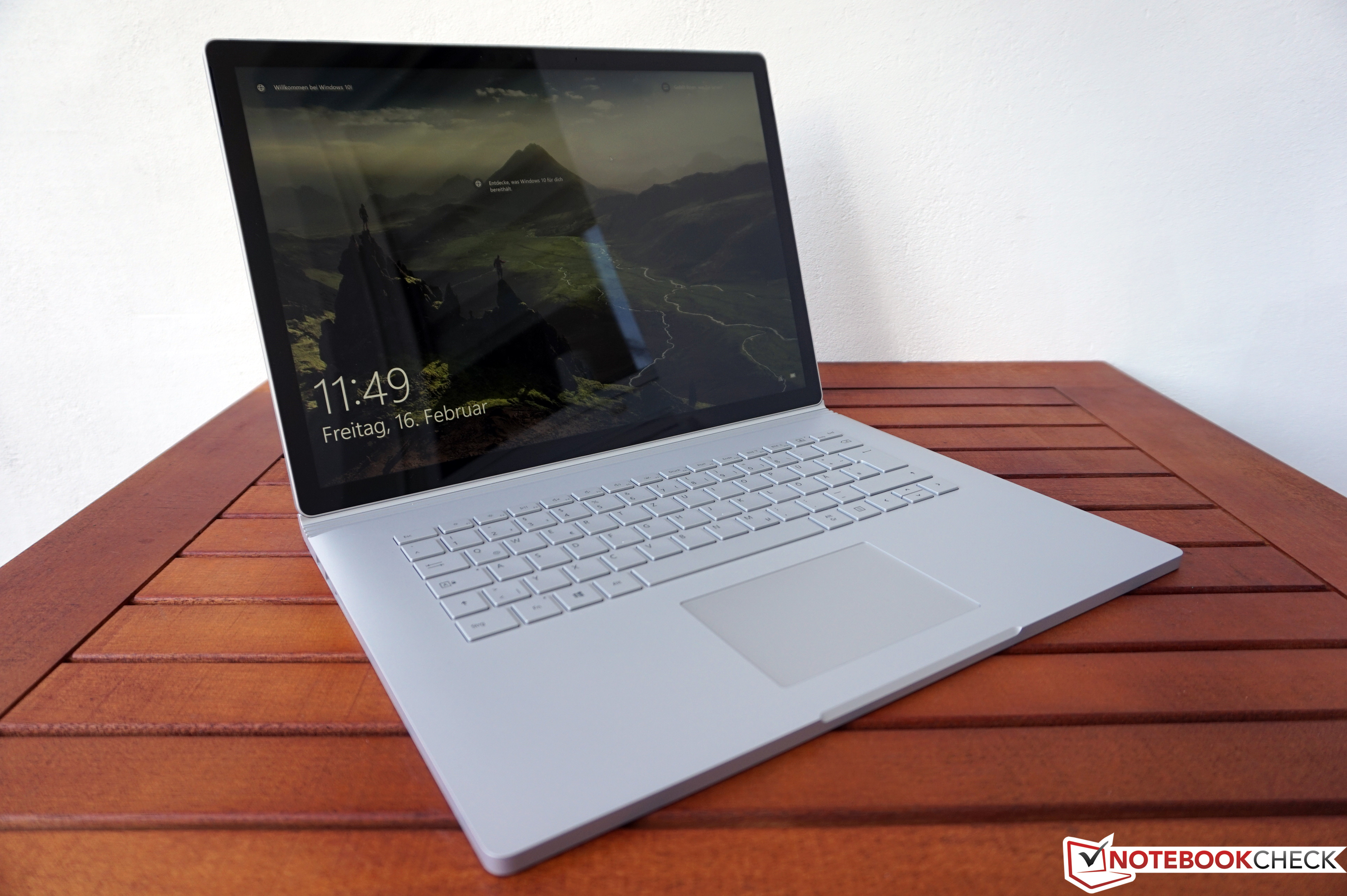 Microsoft Surface Book 2 15 (i7, GTX 1060) Laptop Review