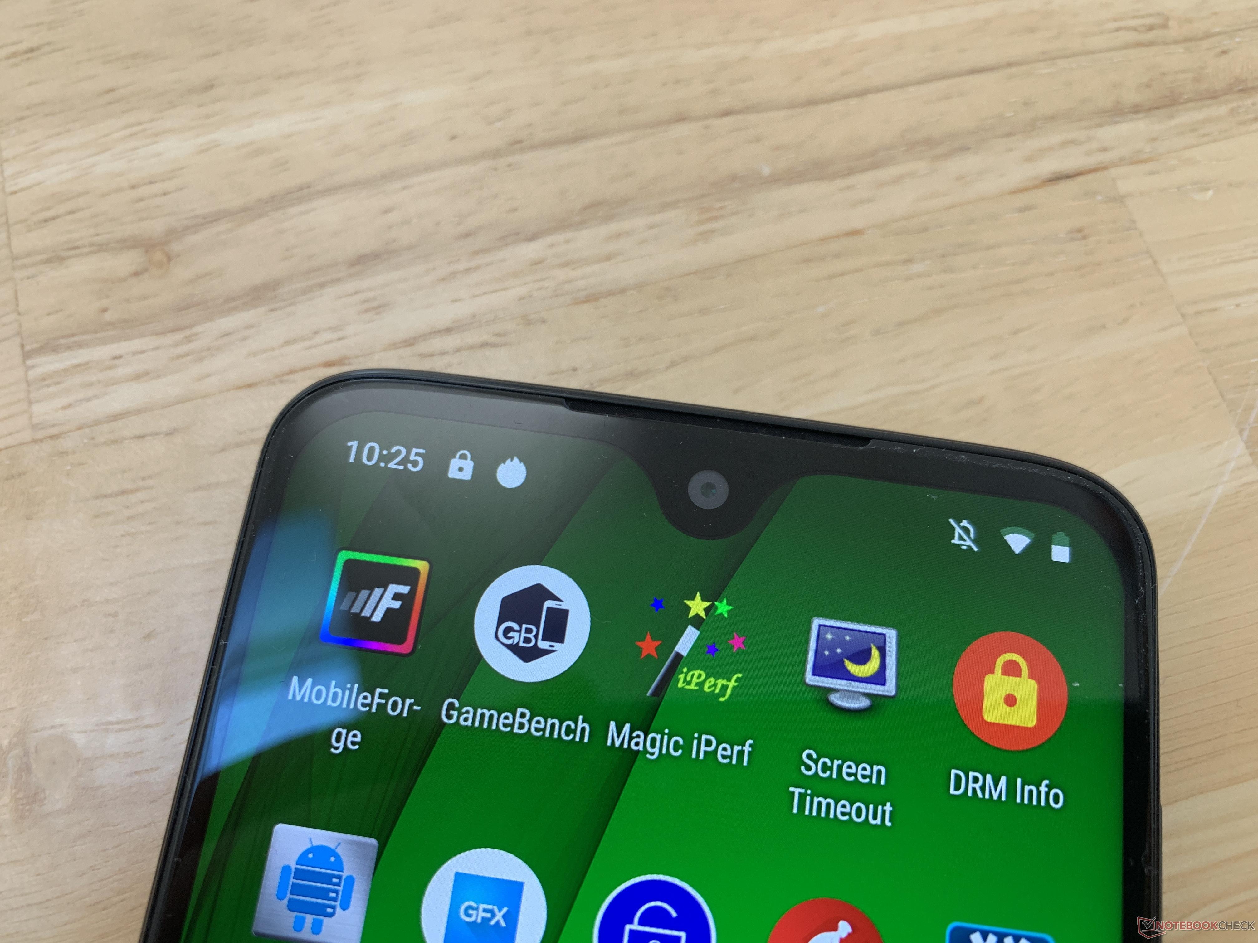 Motorola Moto G7 Smartphone Review - NotebookCheck net Reviews