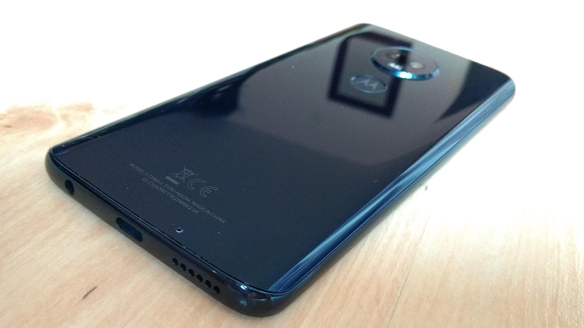 Motorola Moto G7 Plus Smartphone Review - NotebookCheck net Reviews