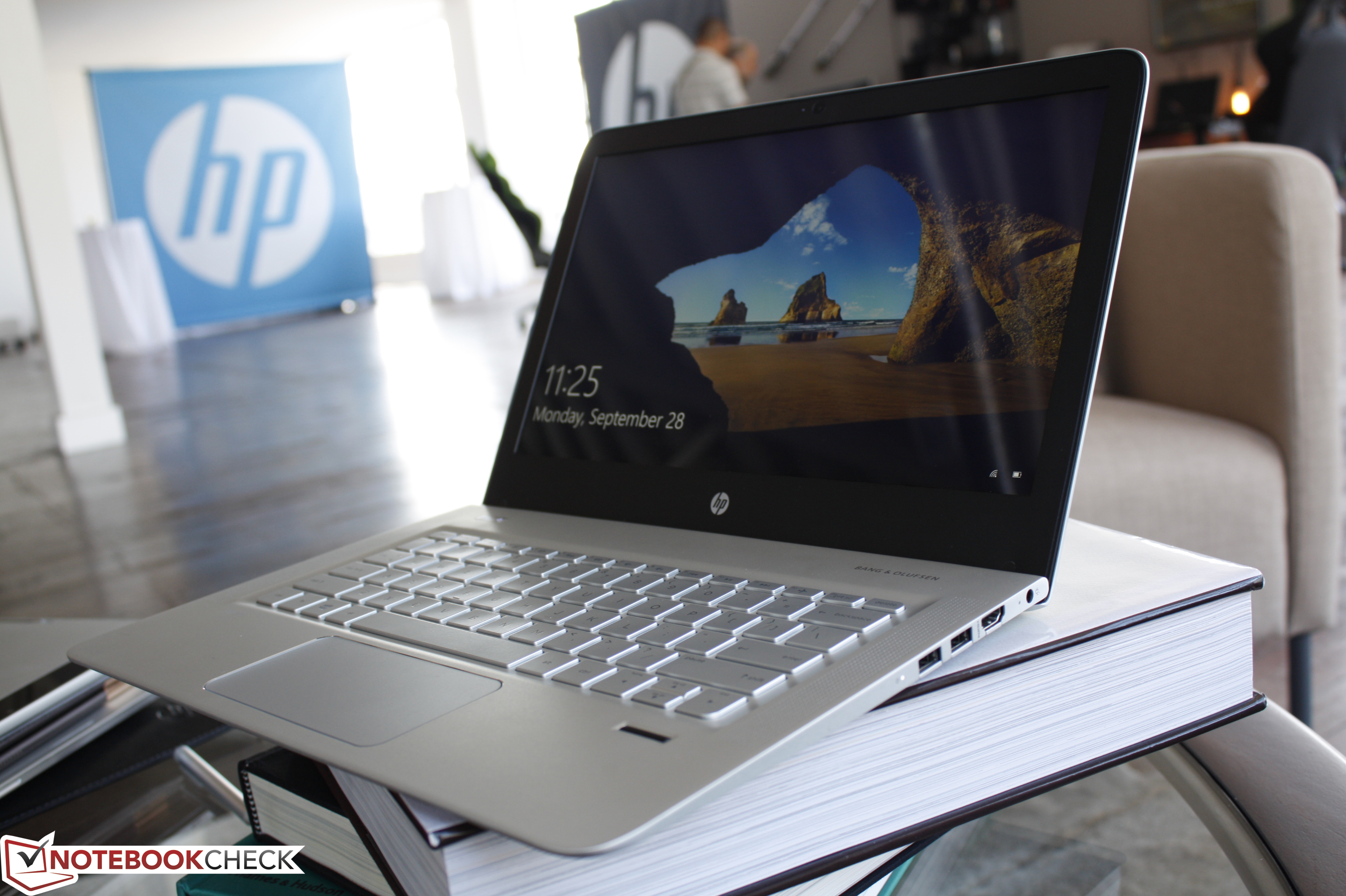 hp unveils the new 13 inch envy 2015 notebook. Black Bedroom Furniture Sets. Home Design Ideas