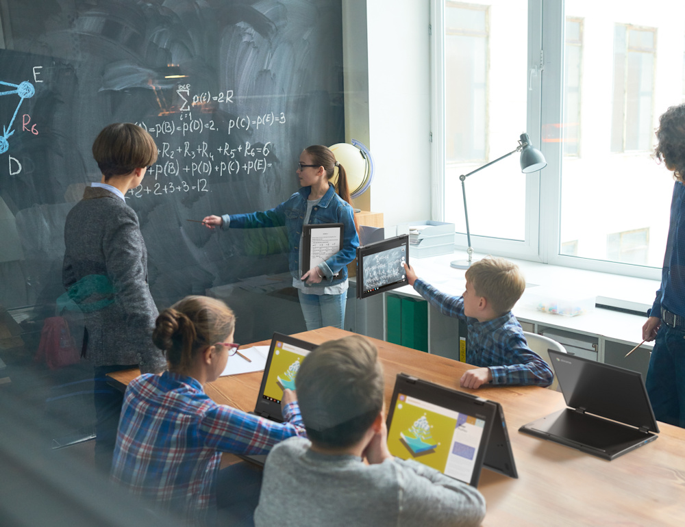 e45edaa1455 This school spent all their budget on the Lenovo 500e and couldn t afford to