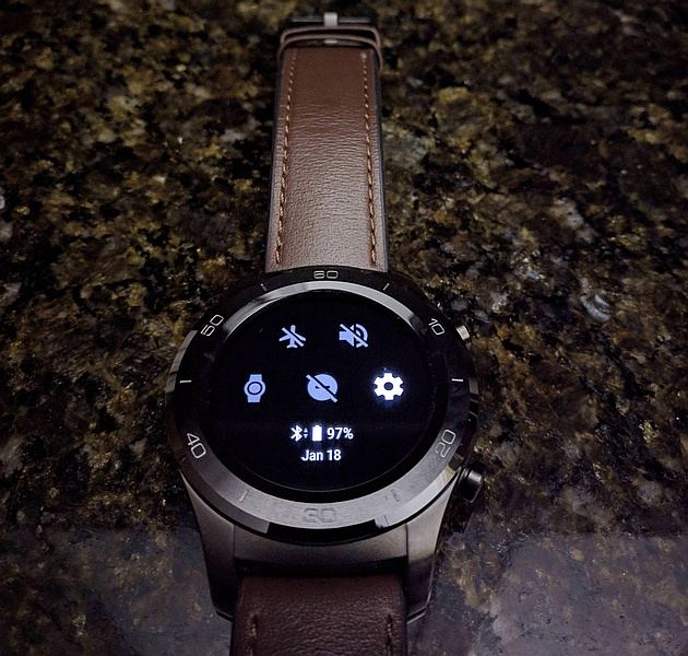 Android Wear 2 8 brings improved notifications and new dark theme