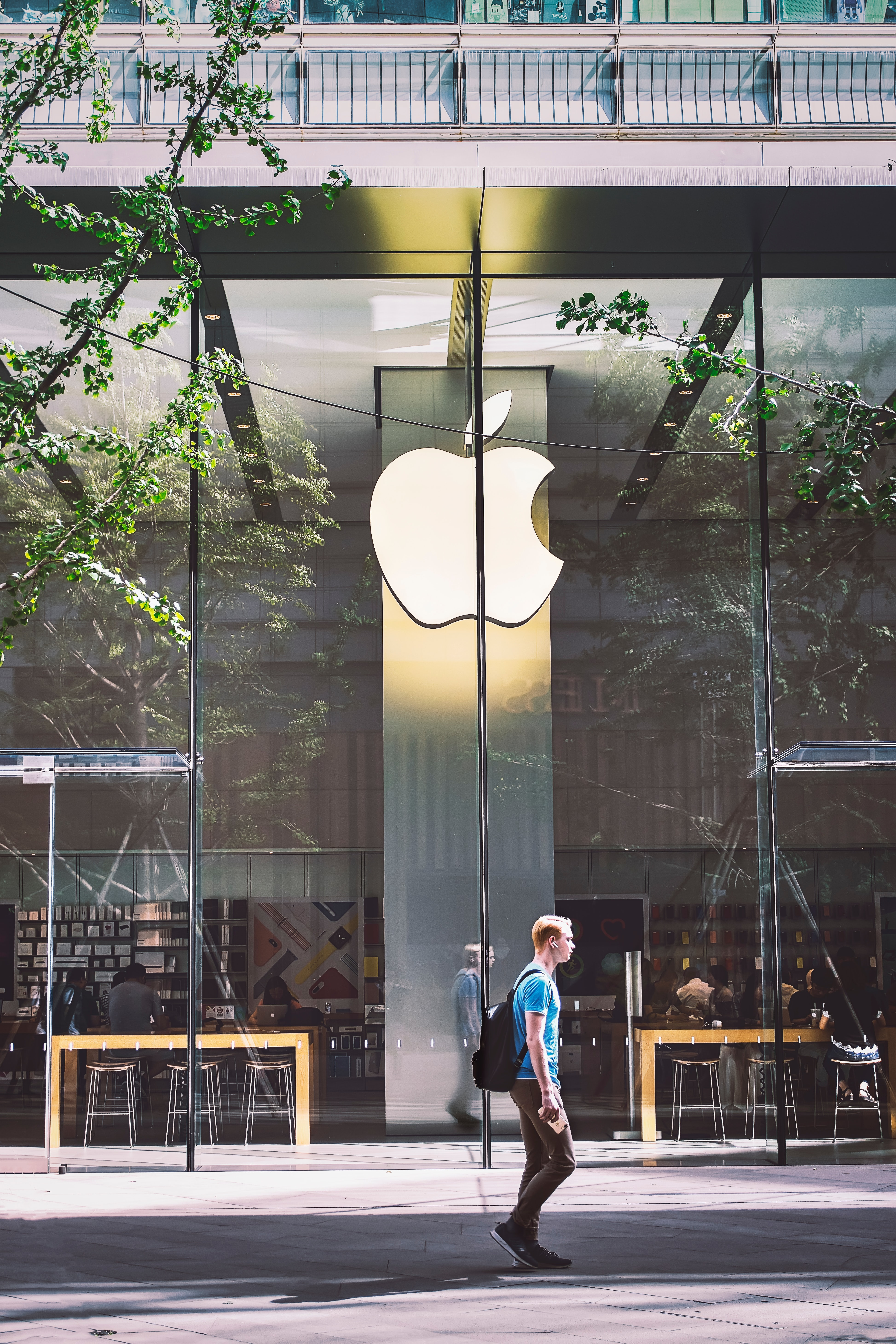 India to get its first official Apple Store by 2021 ...