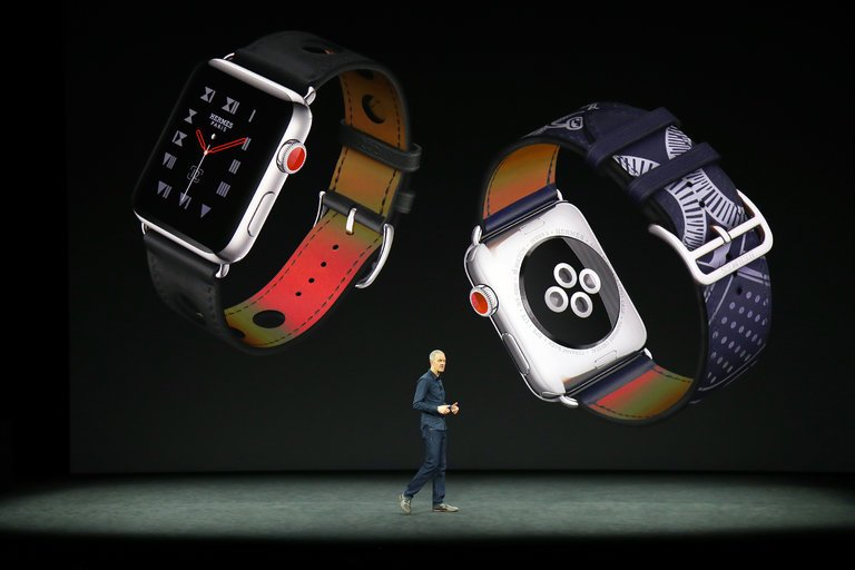 Apple surges ahead in wearables on smartwatch sales