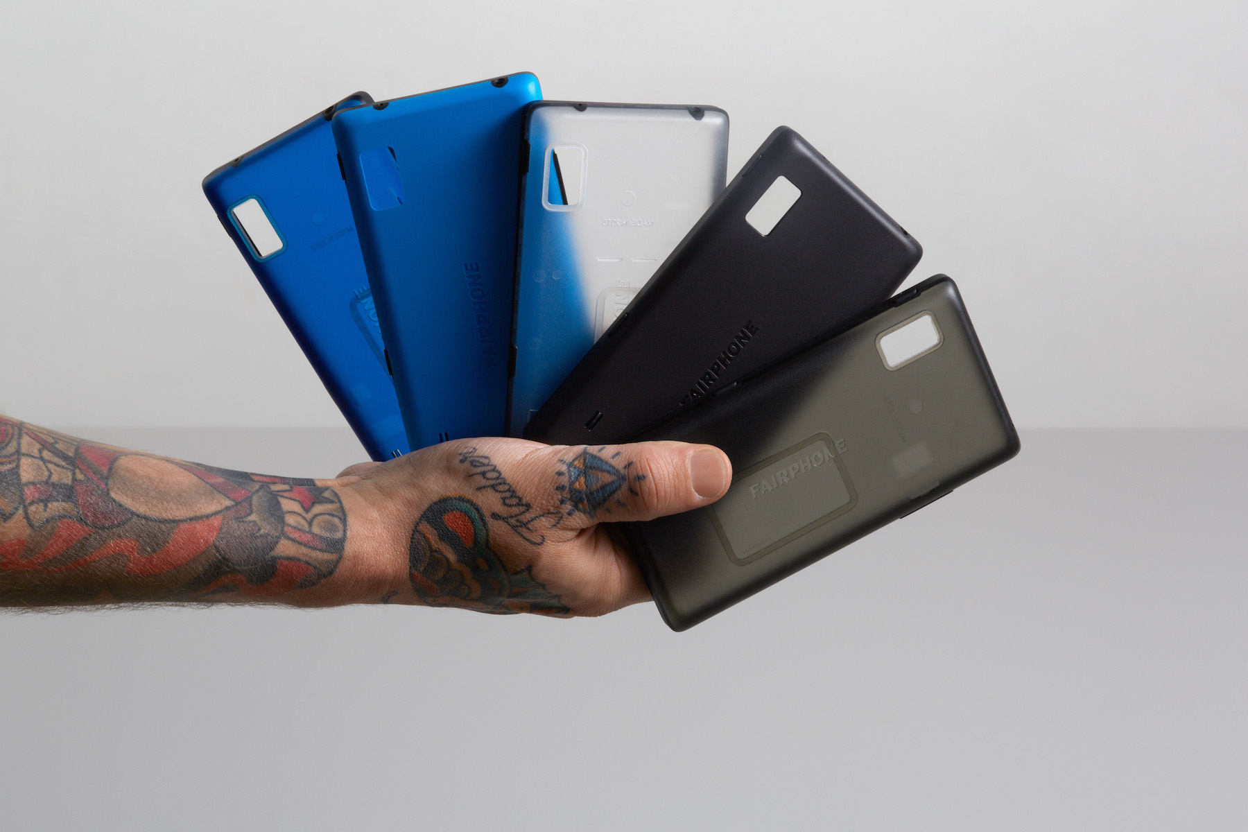 Modular Fairphone 2 smartphone includes replaceable ...