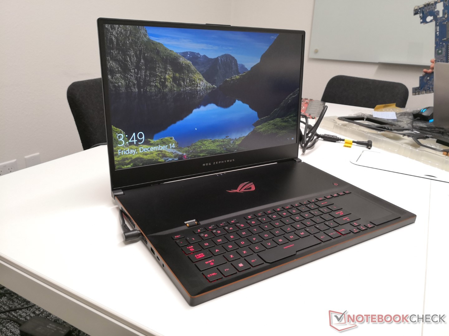 CES 2019: Asus unveils Surface Pro-like ROG Mothership gaming PC