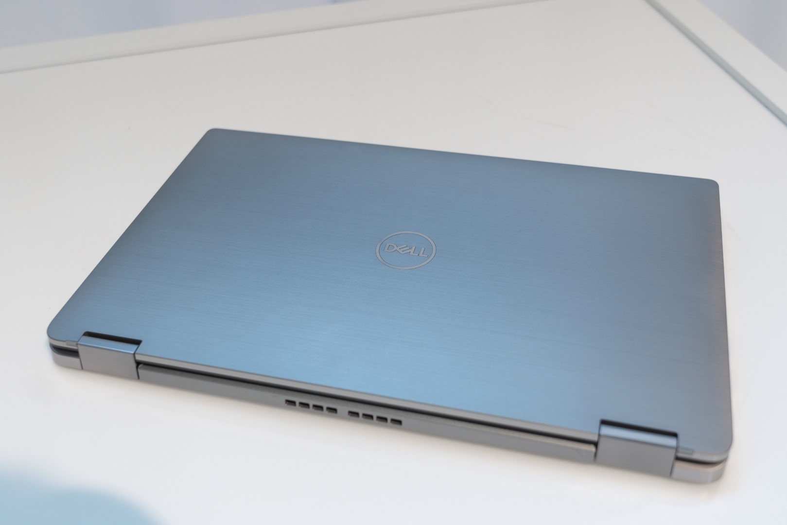Dell Latitude 7400 2-in-1 can sense when you're up to 5 feet