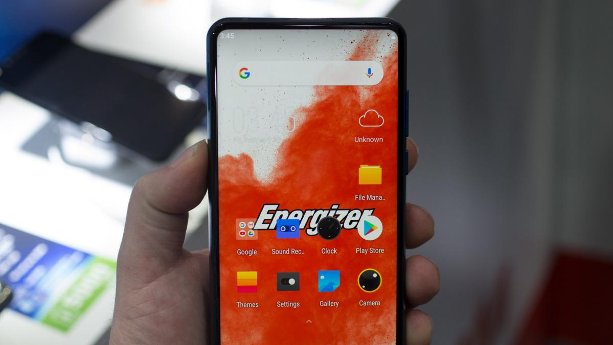 Hands-on photos of the Energizer Power Max P18K Pop show the
