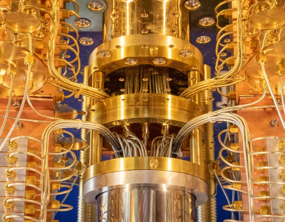 IBM presents new quantum computer with 53-Qubit CPU ...