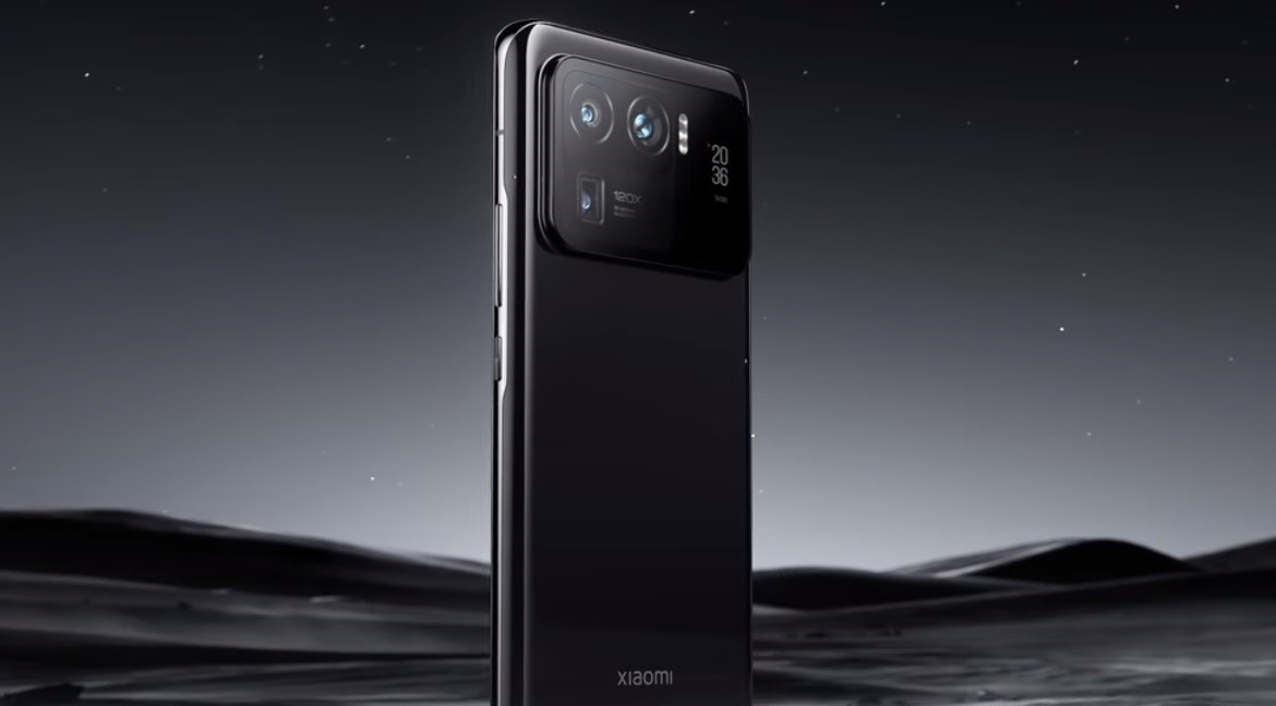 A late-2021 flagship Xiaomi phone with an under-display camera, 120W charging and UWB is about how thumbnail