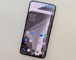 Alleged OnePlus 7 with full-screen display surfaces in arguably dubious leak