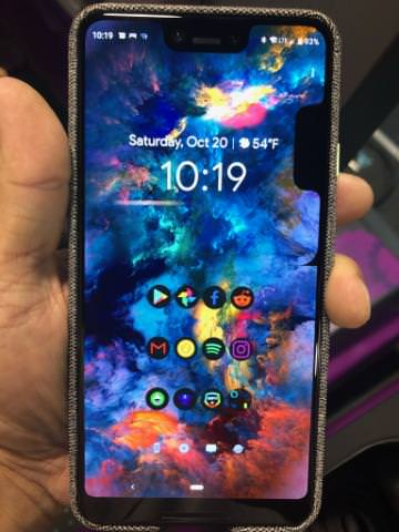 Another image in which a Pixel 3 XL apparently has duplicate notches. (Source: imgur)