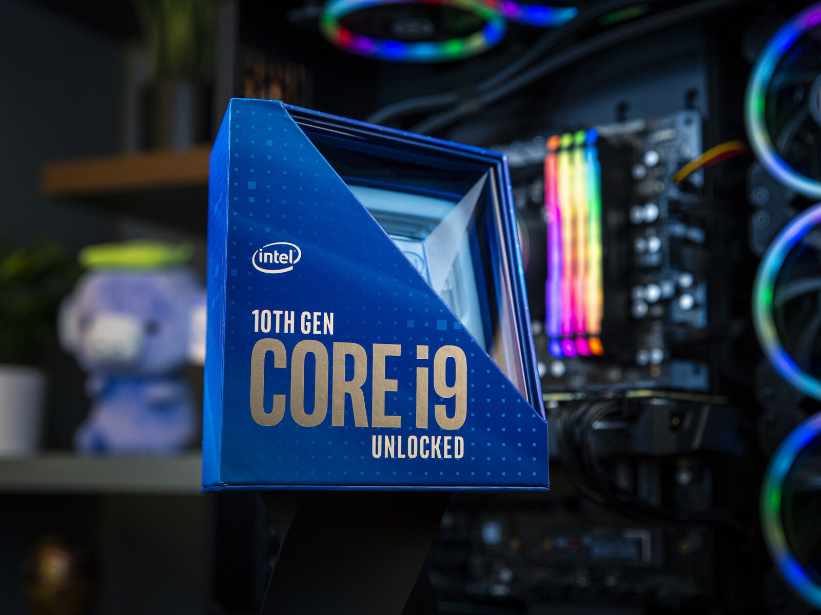 Intel Rocket Lake-S price leak indicates Core i9-11900K to be 10% cheaper than Core i9-10900K and close to Ryzen 7 5800X, but lack of MSRP info makes
