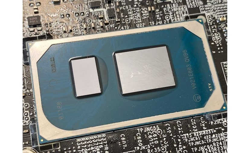 Intel Core i7-1185G7 reference design laptop benchmarks confirm iGPU gains over the AMD Ryzen 7 4800U in a Lenovo IdeaPad Slim 7 but the CPU part stil