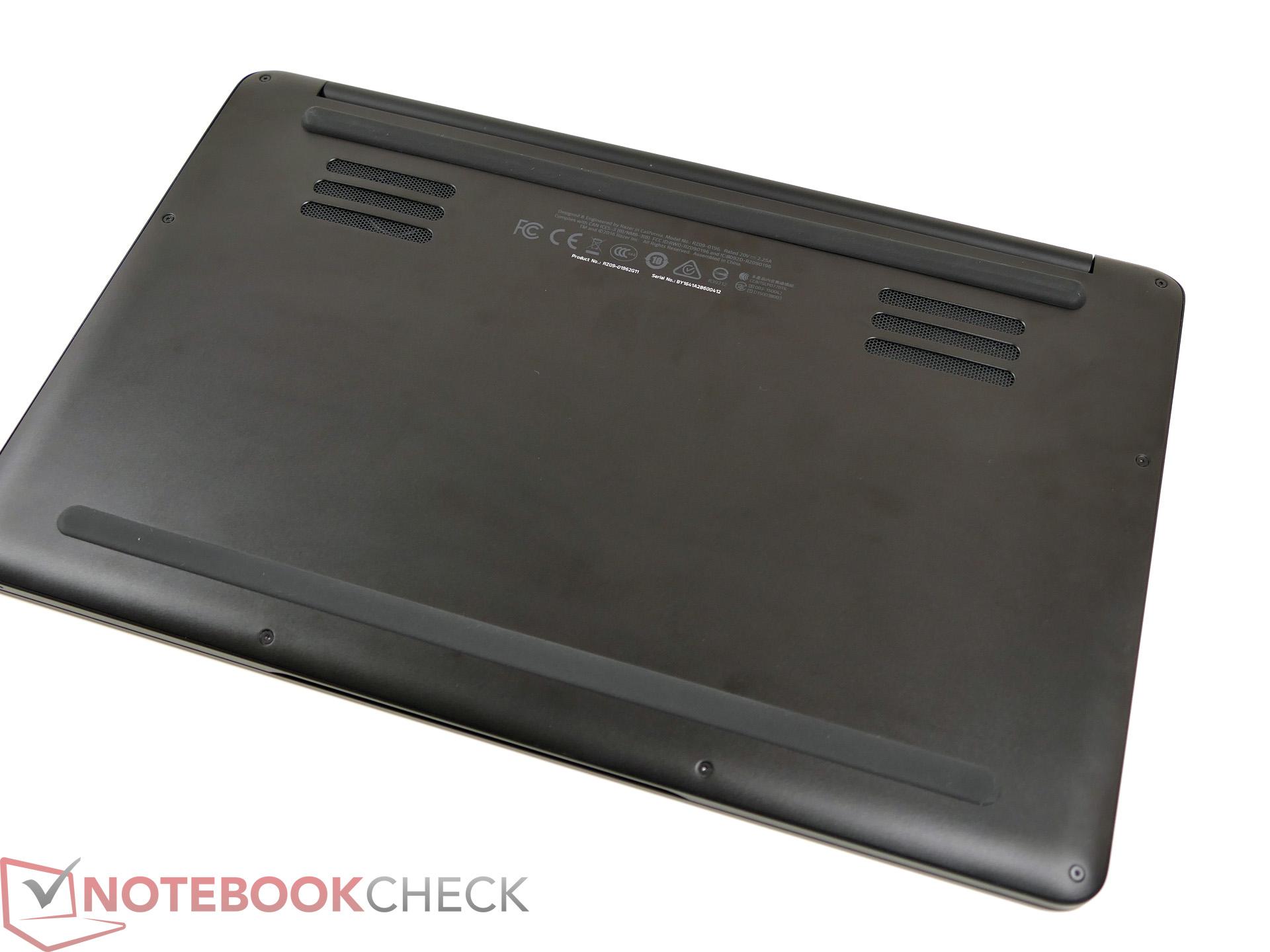 Razer Blade Stealth (i7-7500U) Notebook Review