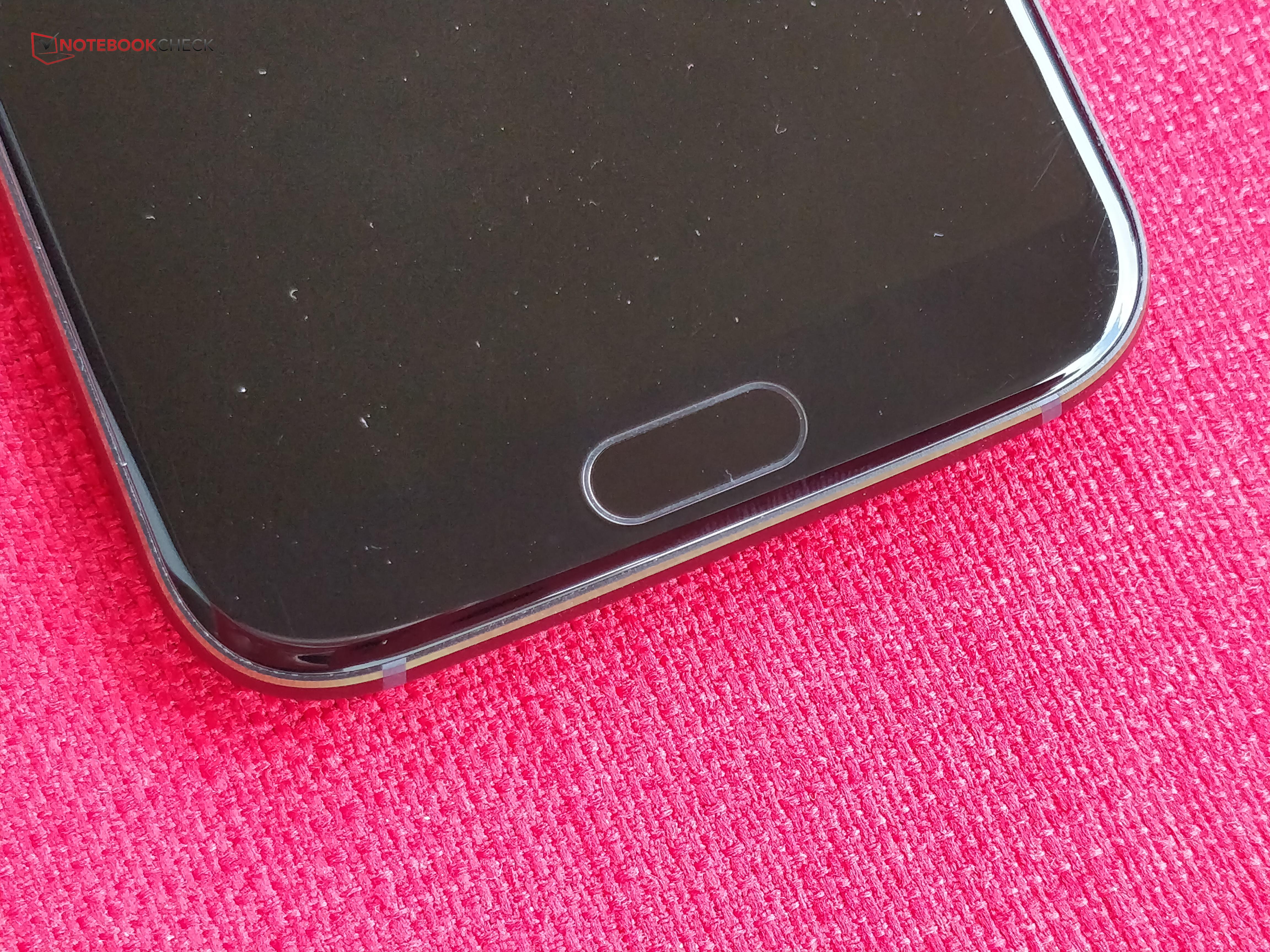 Xiaomi Black Shark Smartphone Review - NotebookCheck net Reviews