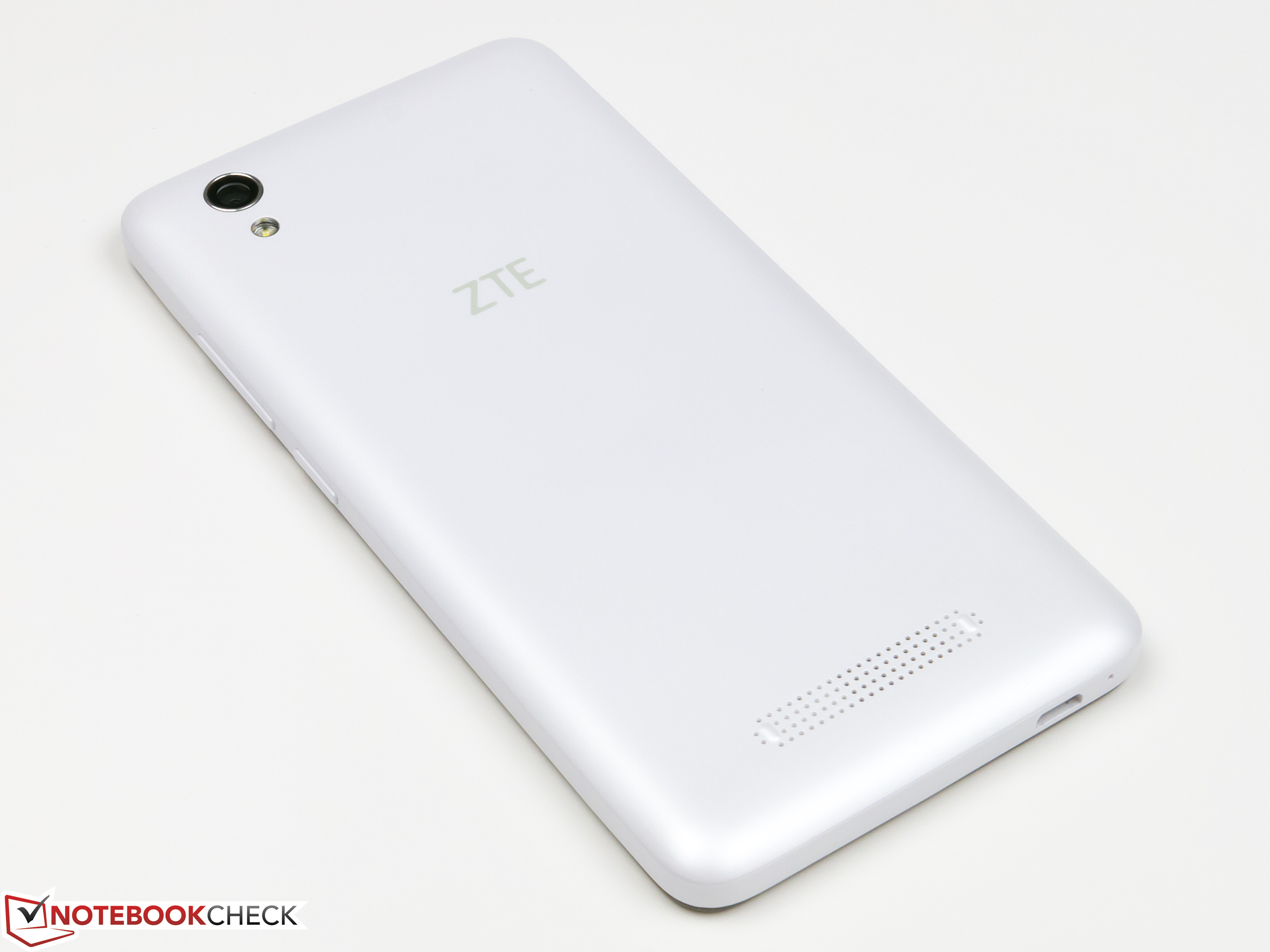 ZTE Blade A452 Smartphone Review