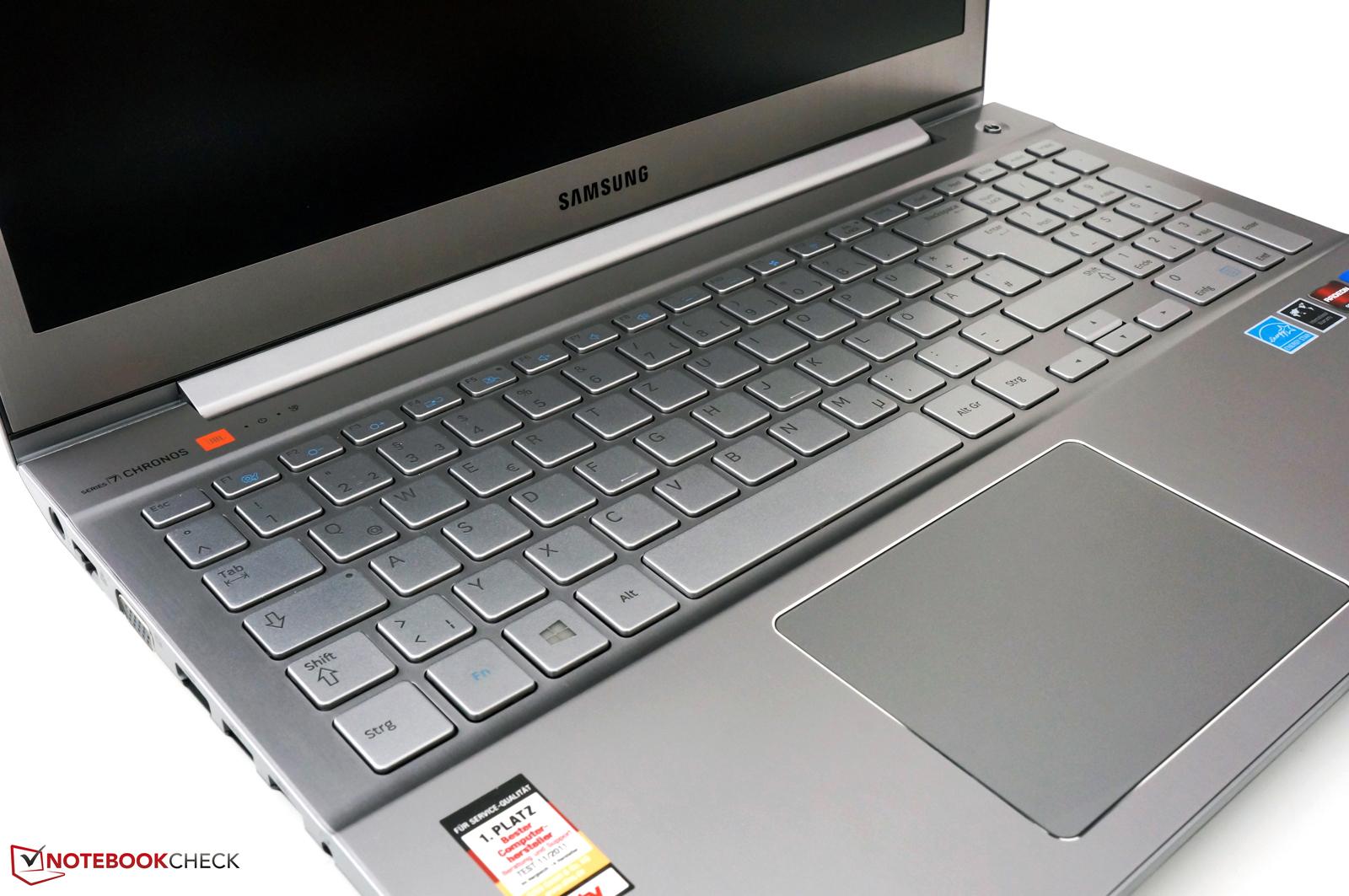 Notebook samsung com teclado numerico - Chiclet Keyboard With A Separate Numpad