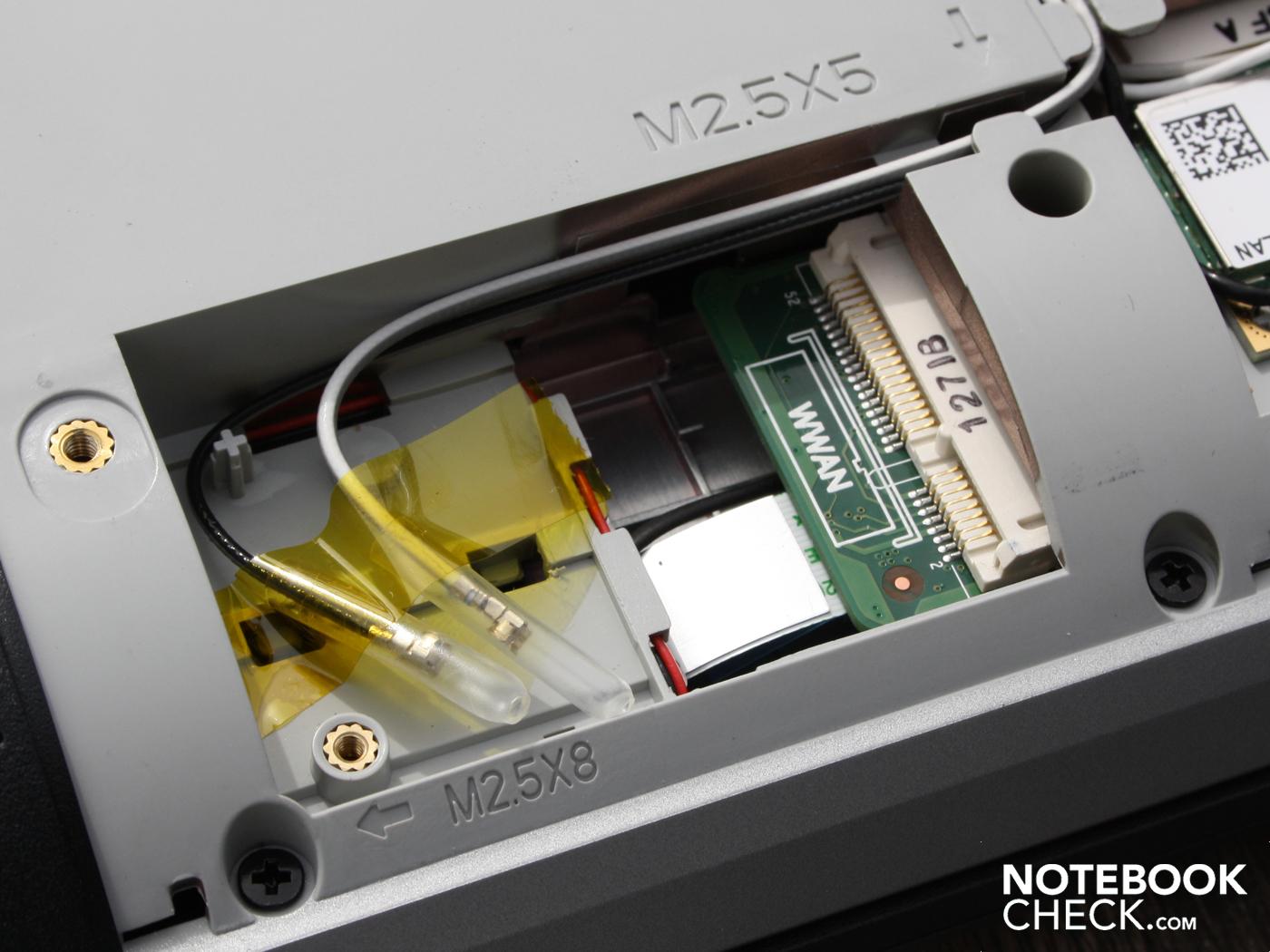 nhìn bên trong card wifi Dell Latitude E5420