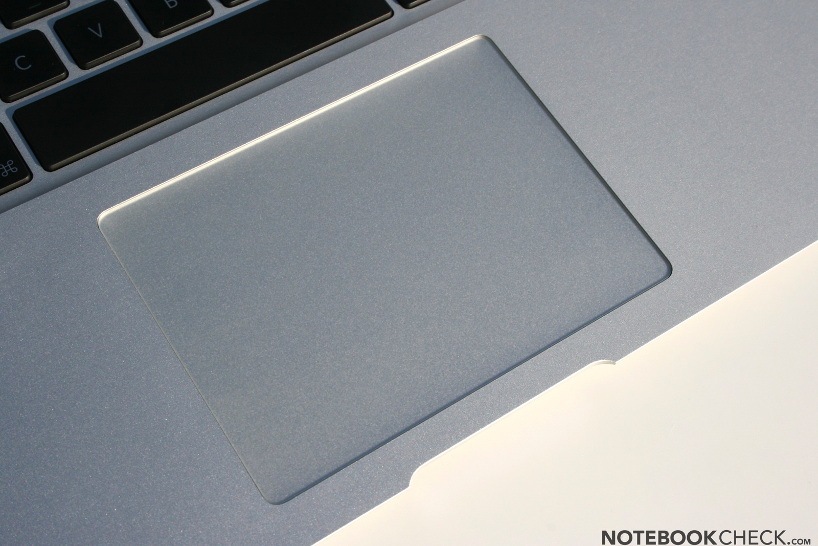 how to clean macbook air trackpad