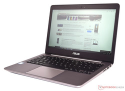 In review: Asus ZenBook UX310UA-FC347T. Test model courtesy of Notebook.de