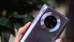 The Huawei Mate 30 Pro. (Source: Expert Reviews)