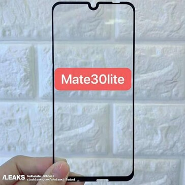 The alleged screen protectors for the Mate 30 and 30 Lite. (Source: SlashLeaks)