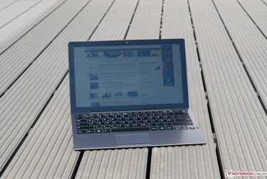 Using the VAIO A12 outdoors in the sunshine