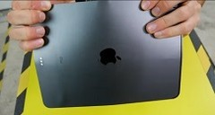 Koroy could completely bend the iPad out of shape by the end of his test. (Source: YouTube)