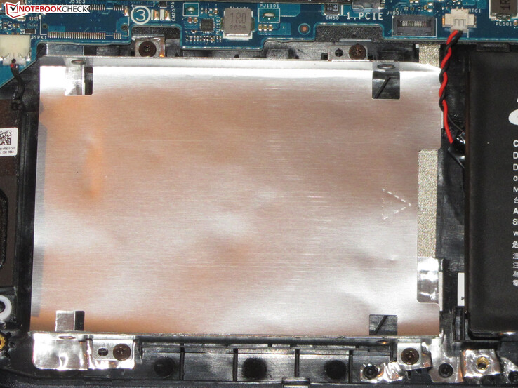 The SATA slot needed for the installation of a 2.5-inch storage drive is missing.