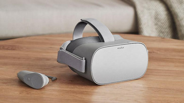 Oculus Go with motion controller. (Source: PCMag)