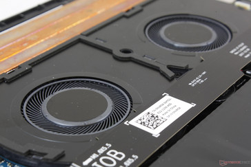 Twin 50 mm fans are of the same diameter as the fans on the XPS 15 9560