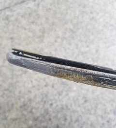 Destroyed Samsung Galaxy S10 5G. (Image source: Naver/user-Rivon)