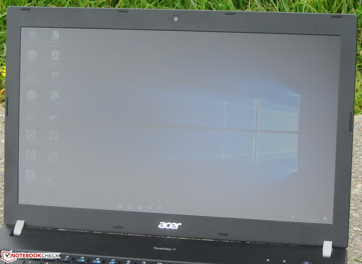 Acer's TravelMate outdoors (photo taken while overcast)